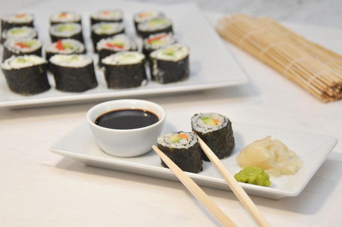 vegetarisches Sushi selbst gemacht, ist gar nicht schwer, den Reis kocht der Thermomix