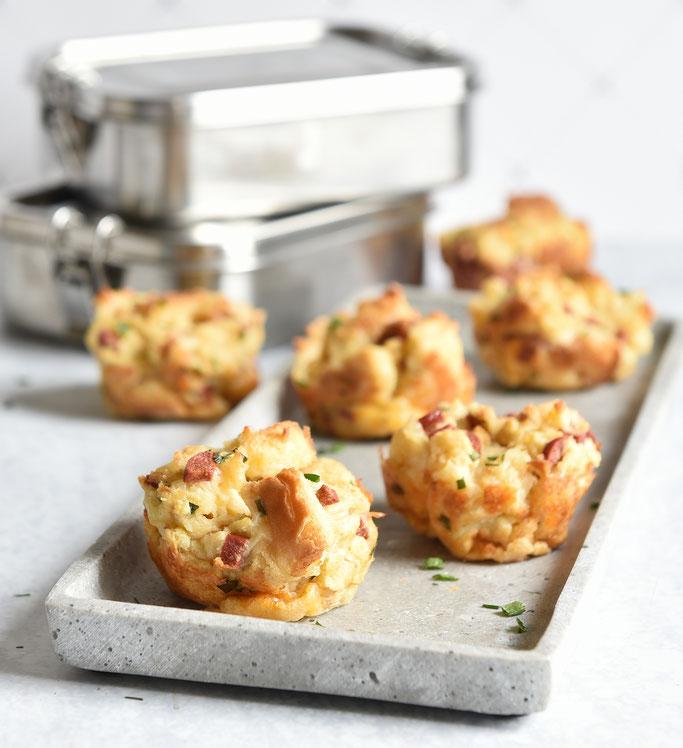 Toast Muffins mit Salami, Ei und Käse