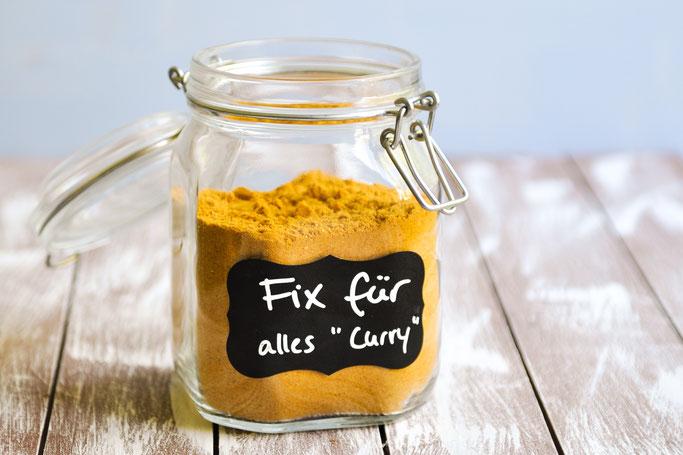Fix für alles Curry, Universalmischung für z.B. Fix für Curry Geschnetzeltes, Curry Hühnchen, Curry Gemüse Pfanne etc. oder für Free Style Kochen - Anleitung im Rezept.