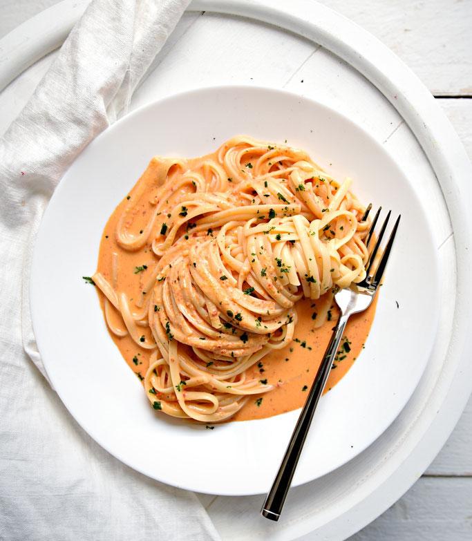 Tortellini mit Ajvar Frischkäse Soße, vegan möglich, vegetarisch, Thermomix