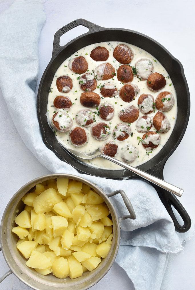 Baiser-Beeren-Kuchen mit Vanillepudding, z.B. mit Jostabeeren, Thermomix