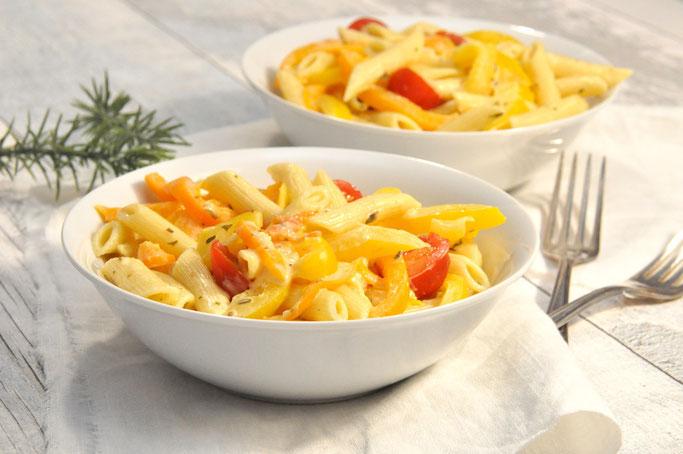 Nudeln mit Paprika und Tomaten in Frischkäse Soße oder vegan möglich mit Creme Vega aus dem Thermomix