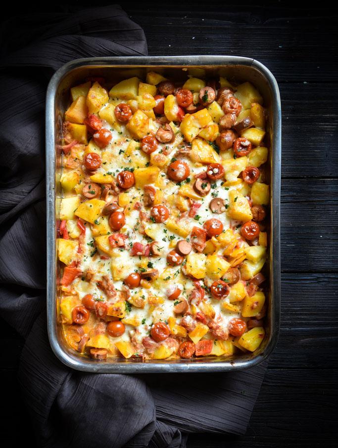 Kartoffel Paprika Würstchen Auflauf, vegetarisch, vegan machbar
