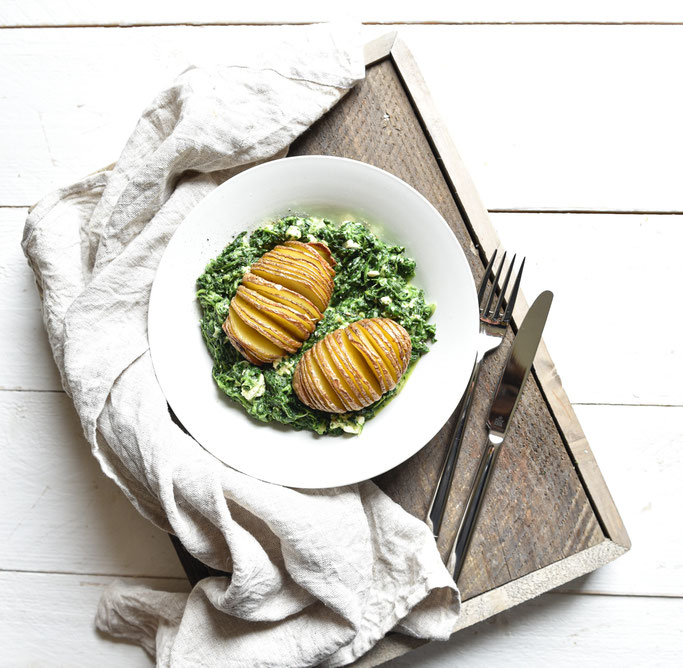 Hasselback Kartoffeln auf Feta-Rahmspinat, Thermomix, vegetarisch, Familienküche, lecker