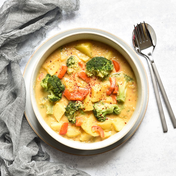 All in One Gericht aus dem Thermomix: Kartoffel-Curry mit Brokkoli Linsen und Kokosmilch vegetarisch vegan
