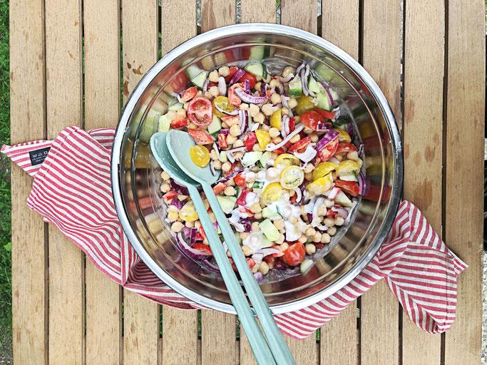 Bunter Salat mit Sylter Soße