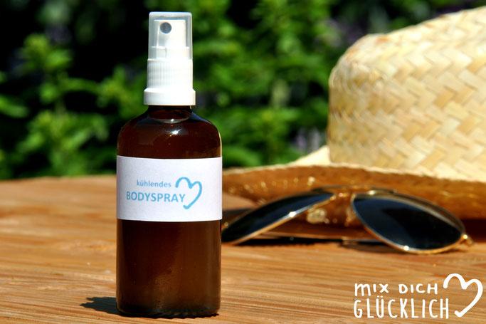 Cooling Spray aus Hamameliswasser und Aloe Vera als kühlendes Bodyspray