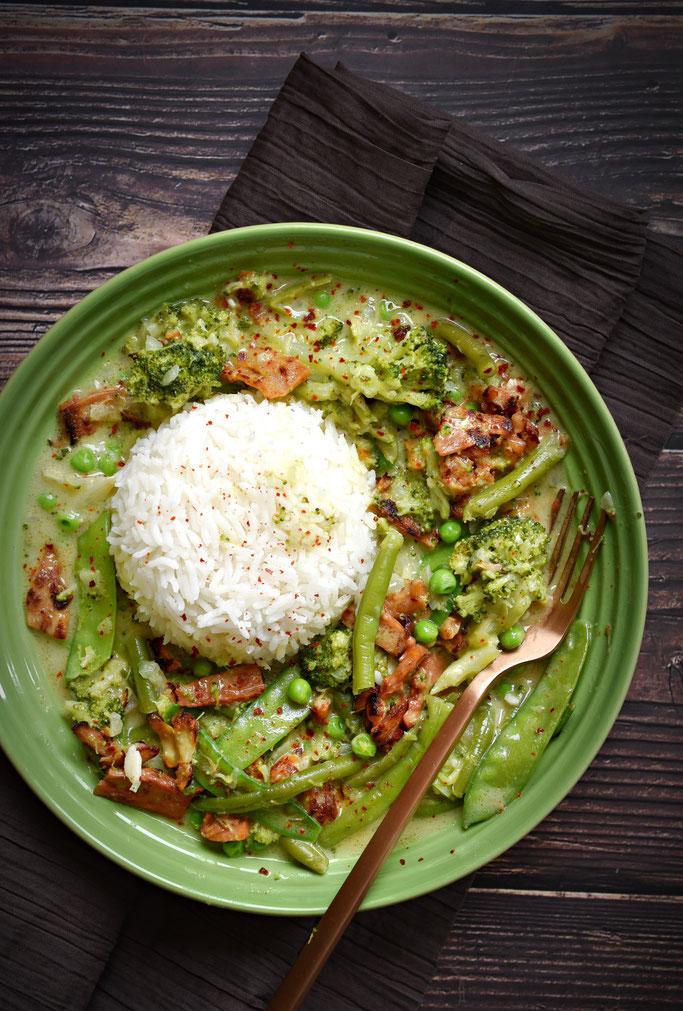 Grünes Curry mit Zuckerschoten, Brokkoli, grünen Bohnen und Erbsen, vegetarisch, vegan möglich, Thermomix, Mittagessen, Familienküche, Gemüse zum Mittag