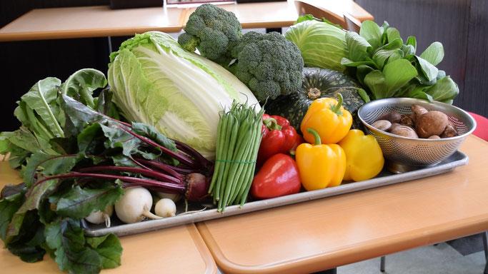 食事サンキューでは地元で栽培された無農薬、減農薬野菜を厳選して使用しています。