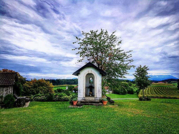 Bücherhütte und Sebastians Kapelle