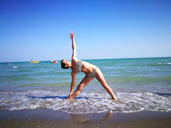 Yoga am Meer mit Kind... (natürlich nicht im Wasser)