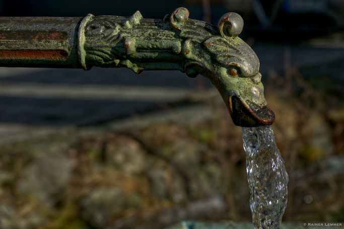 Wasserbrunnen Ortsmitte Gehlert