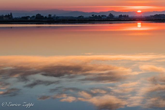 Saline di Cervia: il cielo sull'acqua.