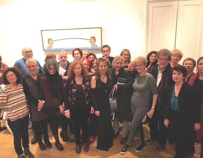 La soirée de présentation du livre REGARDS CROISÉS EN FRANCE dans l'atelier de Véronique de Guitarre à Paris le 6 décembre 2018