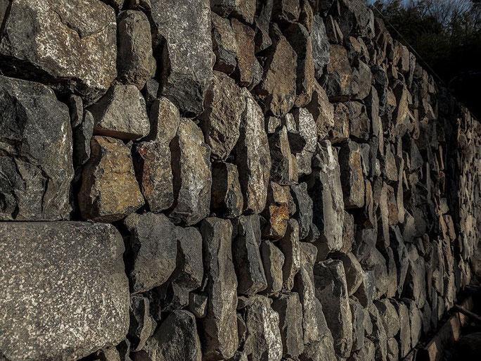 石積みの施工風景