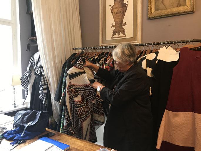 Mira Dworschak entwirft gemeinsam mit Merch Mashiah eine Sommerkollektion für Pia Antonia.