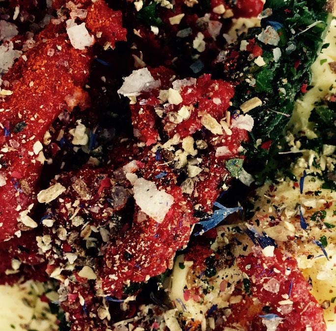 Schnelles Rezept für Tomaten-Grillbutter mit Basilikum von Kamikatze Nina aus Berlin