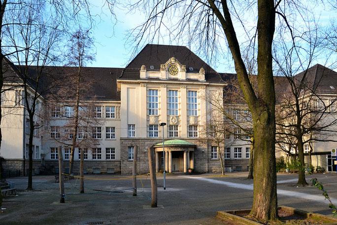 Das Viktoria-Gymnasium (Foto: Wiki05)