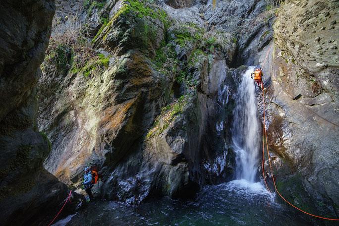 CANYONING: Der neueste Natursport in den Alpen. Wir wollen Ihnen die Highlights unseres Landes zeigen und bieten Ihnen daher Canyoning zum SUPER-SONDER-PREIS ab € 69,--  an.