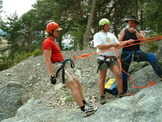 Abseilen, Seiltechnik und Knotenkunde
