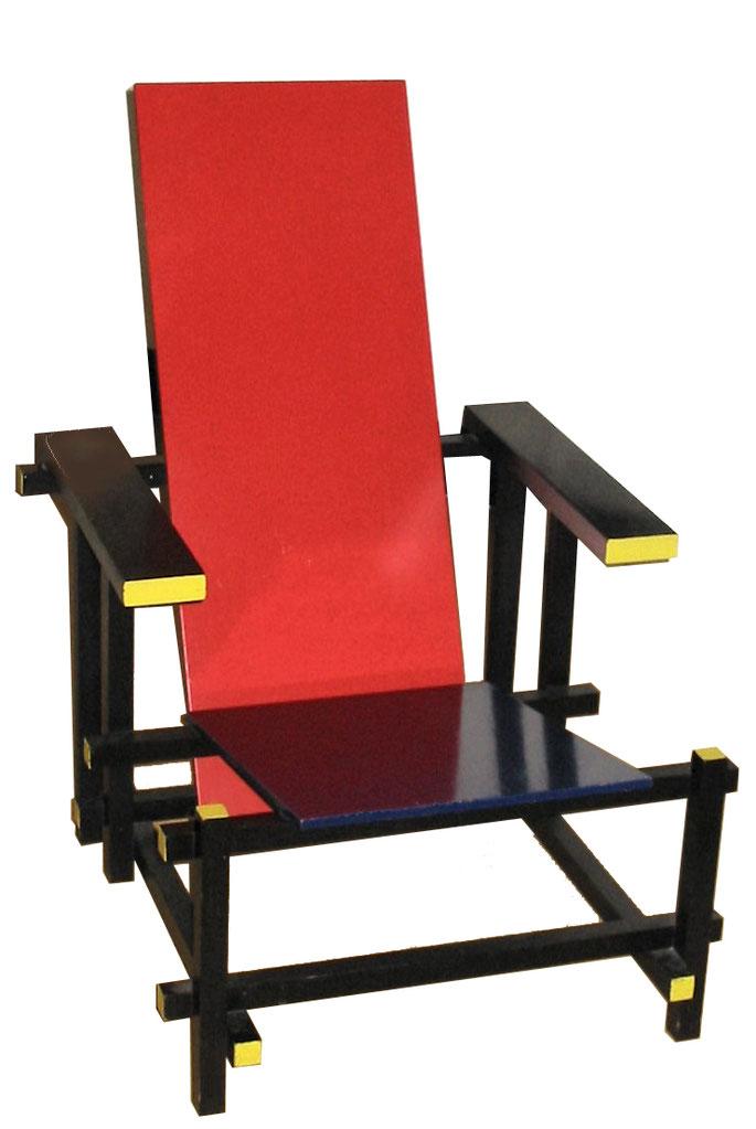 ヘリット・リートフェルト「赤と青の椅子」(1917年)