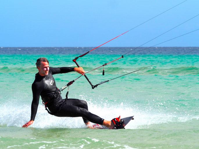 Stefan Heinrich beim Kitesurfen
