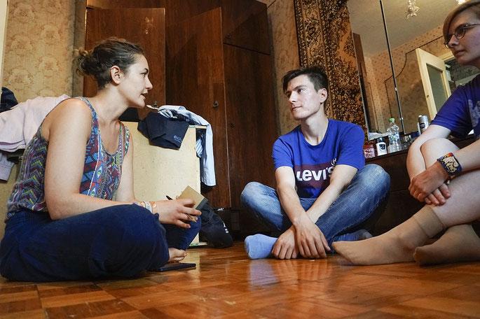 Leonie Ruhland im Gespräch mit ihrem Protagonisten