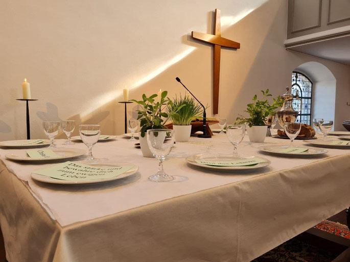 Abendmahlstisch in der Heilig-Geist-Kirche Geldern ©wandelsinn