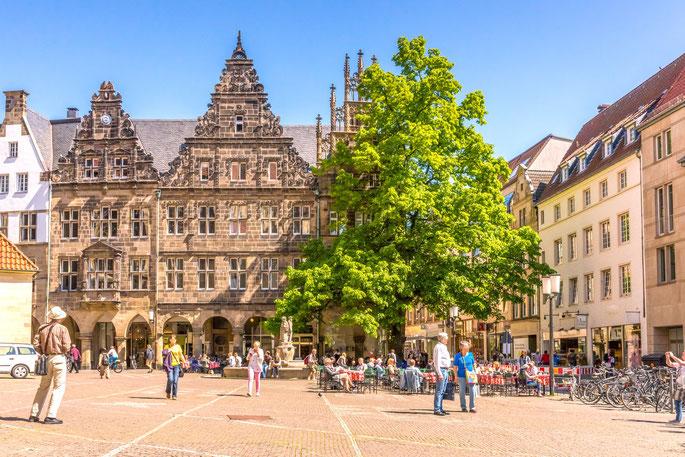 Lambertikirchplatz Münster an einem sonnigen Tag; Detektiv Münster, Privatdetektiv Münster, Privatdetektei Münster