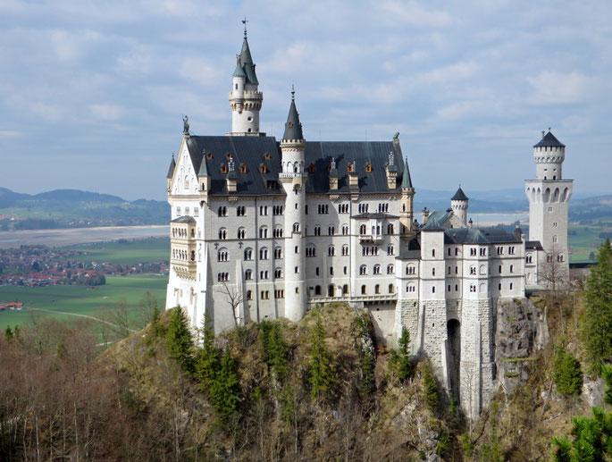 """Remiantis Noišvanšteino pilies modeliu buvo sukurta """"Miegančiosios gražuolės"""" pilis Disneilende"""