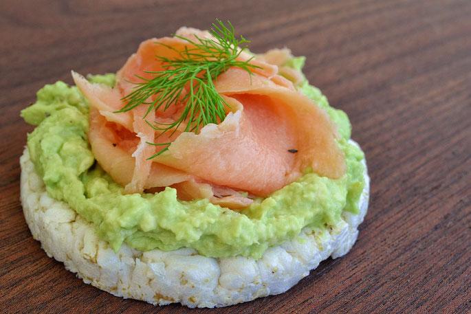 Christina Witte - Brote lecker und nahrhaft belegt - mit Avocado und Lachs