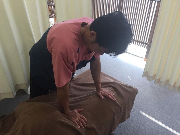 ぎっくり腰の根元施術とアフターフォロー