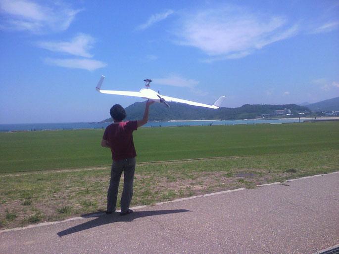 ウイングスパン2.2mFPV無尾翼機