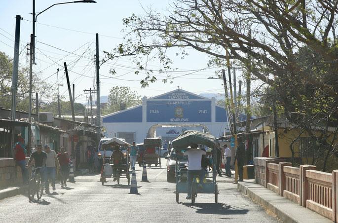Border El Salvador to Honduras