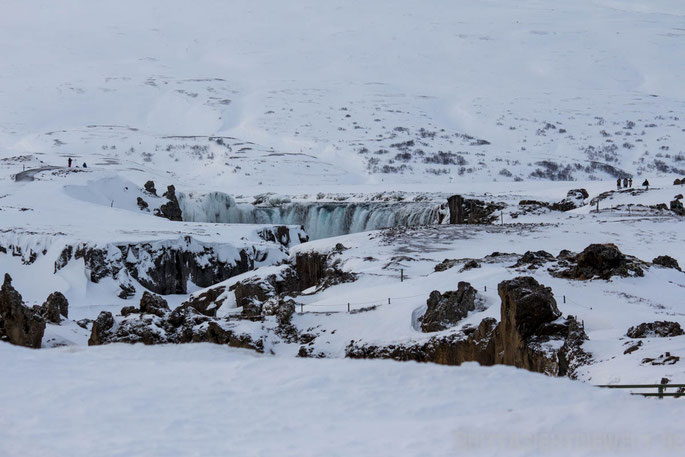 waterfall,iceland,tipps,car,winter,february,north