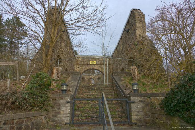 Ruine der 1000 jährigen Kirche Rossbach