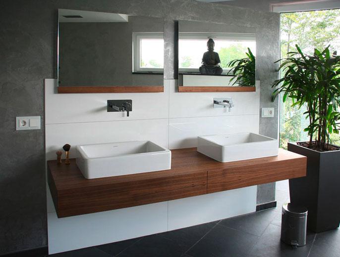 Waschtisch in Nussbaum-Holz mit Keramik Waschschüssel