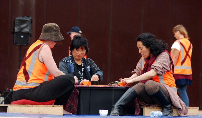 Alsion Eggelton crafted Origmai boats for those who came (with Mikoto Araki and Karin Matsuda)