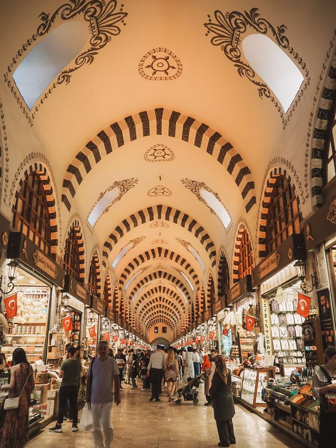 Gewürzmarkt in der Nähe des Fähranlegers Eminönü