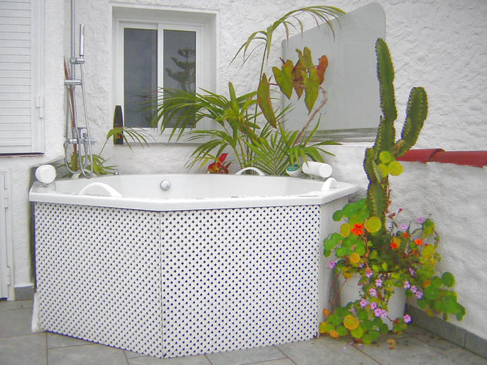 Whirlpool auf der grossen terrasse vom Penthaus Anna Maria in La Longuera auf teneriffa