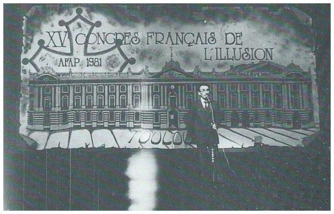 L'ouverture du congrès par Max Ersan, avec l'apparition d'un des tableaux du Capitole
