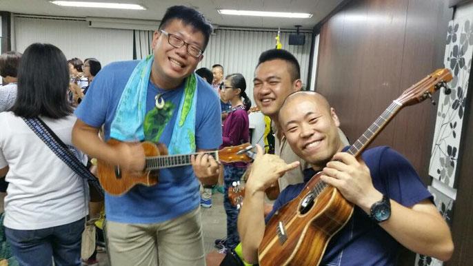 台湾のウクレレ奏者のお二人!