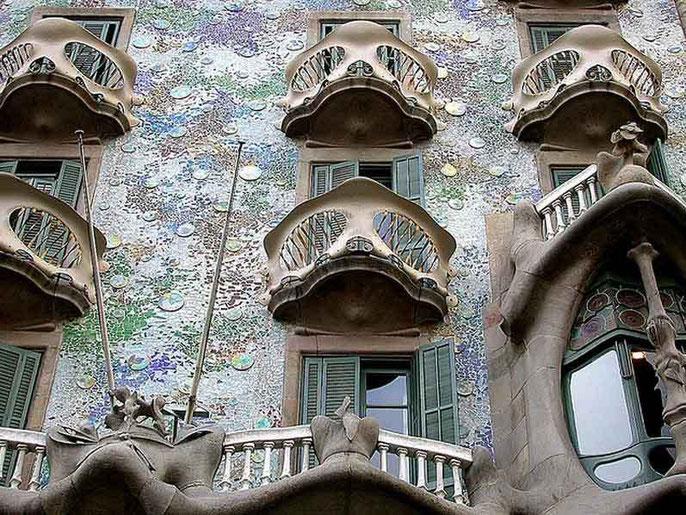 архитектор антонио гауди