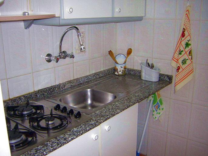 Küche der Ferienwohnung Carola in Los Christianos, Nähe dem Strand Playa Las Vistas