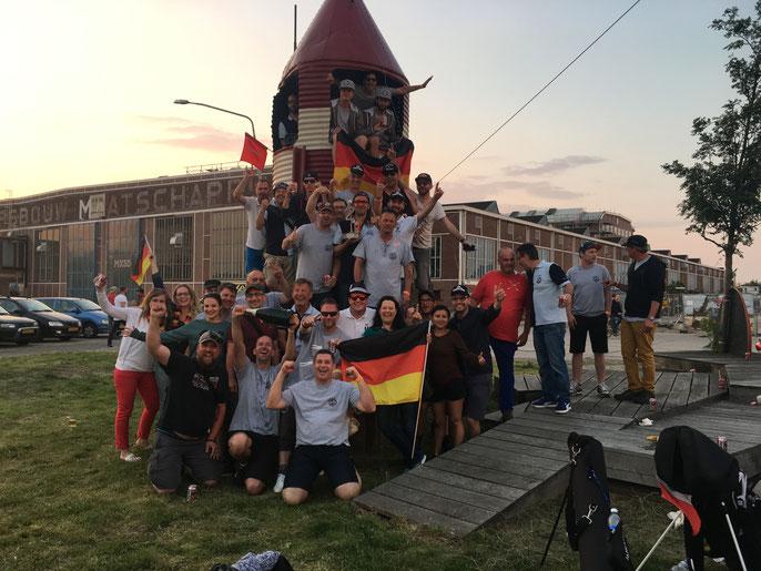 Team German mit ihren Fans - ©Claudio Orlik