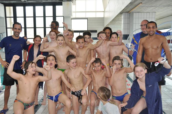 Victoire du championnat zone Med (le cercle termine 1) avec les encouragement de Olivier Chandieu  entraineur Pro de l'équipe Elite , et du nageur Mehdy Metella