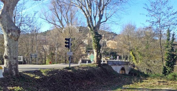 Sillans  le pont actuel sur la Bresque