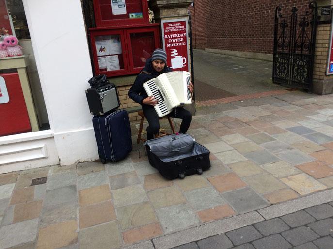 On découvre des artistes bien sympathiques, dans les rues de Beverley.