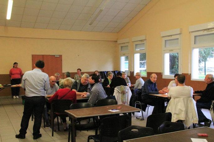 Le 1er octobre, nous avons organisé notre première belote. Les participants étaient contents. Les lots leur ont plu (champagne, petis gâteaux,...). Une tombola a été organisée également.
