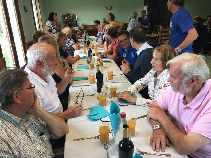 Quel beau moment nous avons encore passé ce samedi de septembre ! 24 personnes étaient au rendez-vous. Excellent repas et superbe ambiance !!!